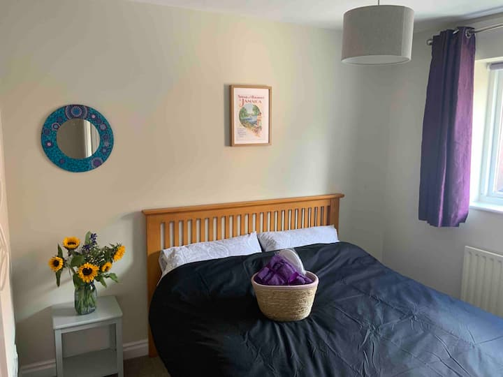 York Centre - King bedroom - Relaxed - Parking**