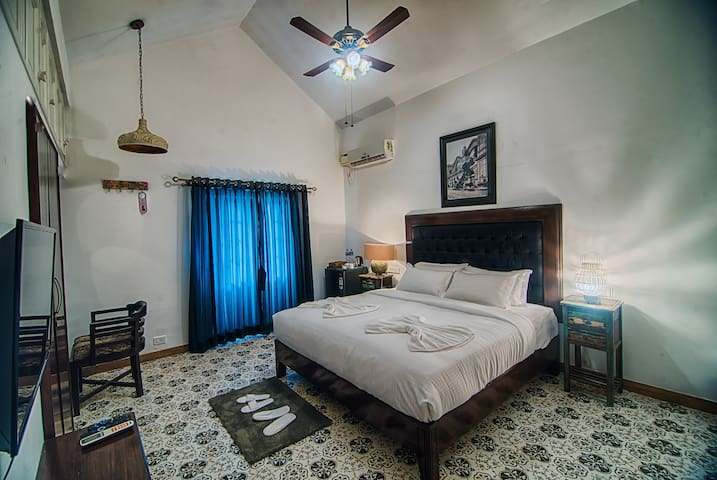 Pearl, Executive Suite - Saligao - Willa