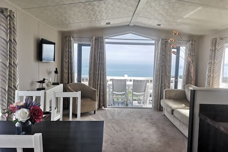Luxury static home with beautiful sea view