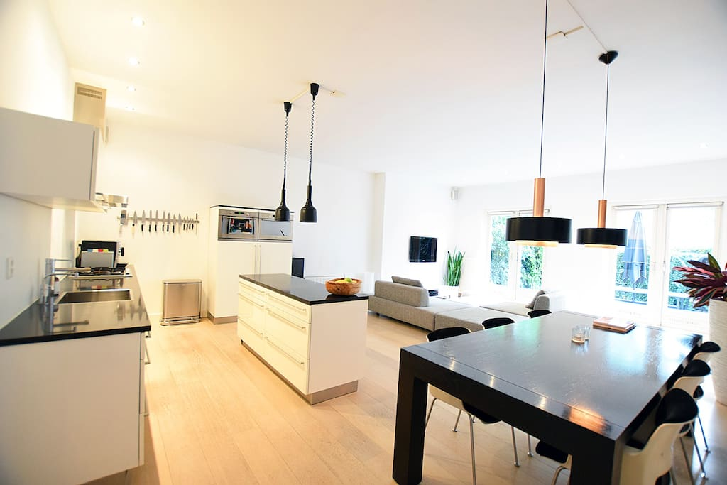It is has a great fully equipped open kitchen, which you will love cooking in