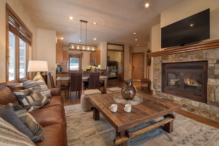 Enjoy Amazing Mountain and Ski Hill Views from this Ski-in Ski-out Condo with Dedicated Parking and a BBQ Grill