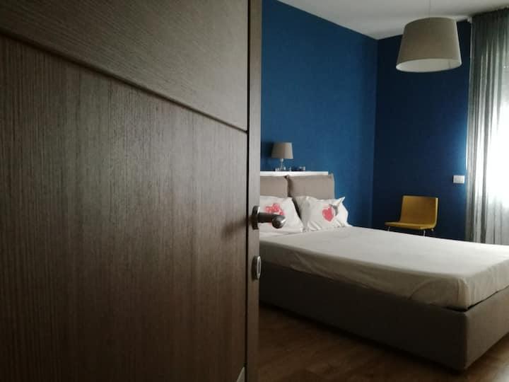 Bright room with private bath - Bicocca