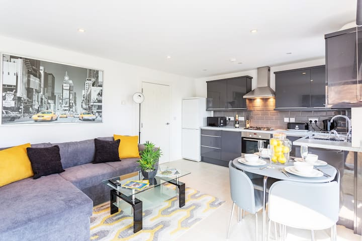 Stunningly Designed Two-Bedroom Apartment!