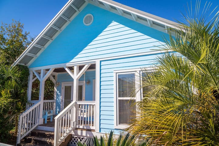 300' to Deeded Beach. Perfect Seacrest Beach Cottage: Pool & 4 Bikes