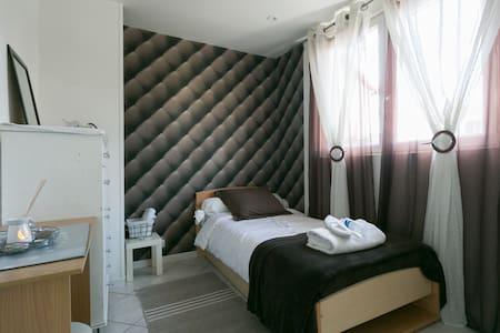 Chambre près aéroport - Athis-Mons