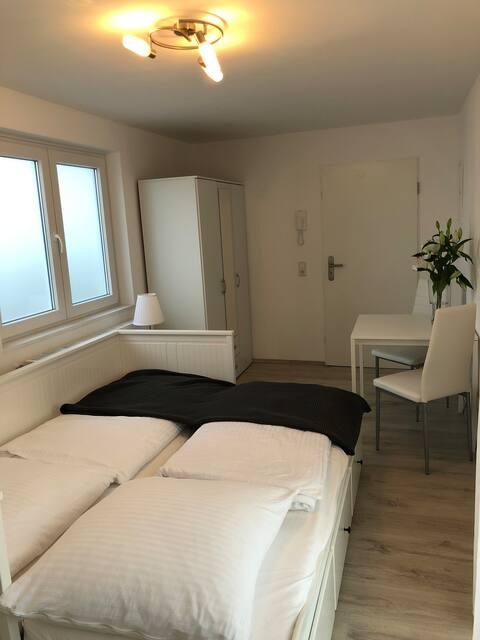 Hotel ähnliches Zimmer mit eigenem Bad