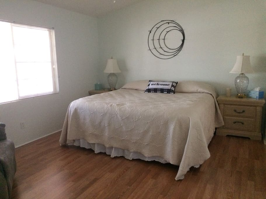 Master Suite -- King Bed