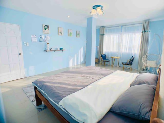 Coral Paradise Home (珊瑚秘境民宿)—高级地中海海景大床房No.6