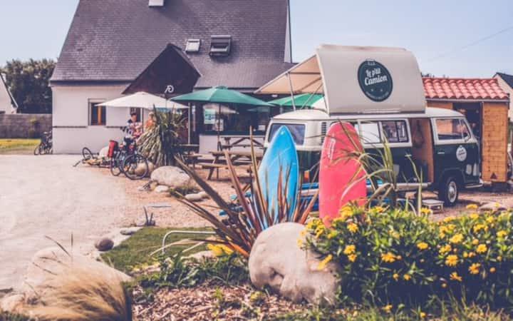 Gîte/ Surf camp de Pors Carn devant la plage