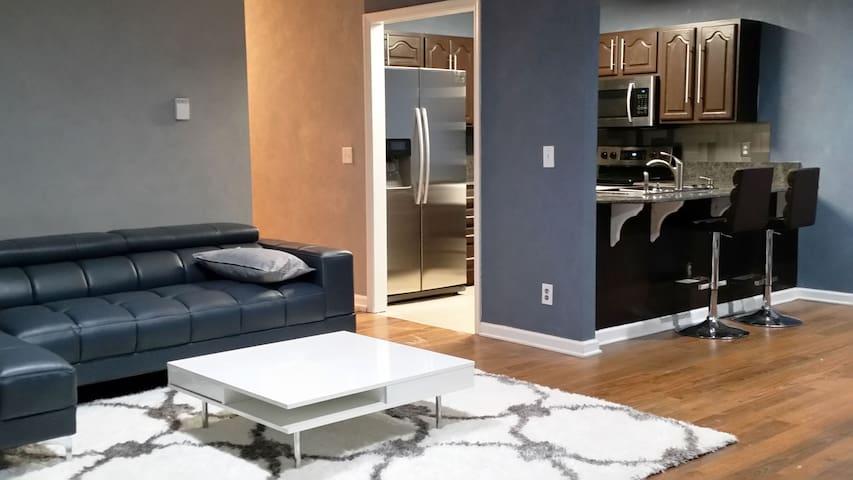 Modern Flat - Fayetteville