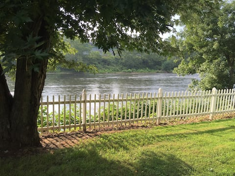 Getaway On the River -Now With Wifi!