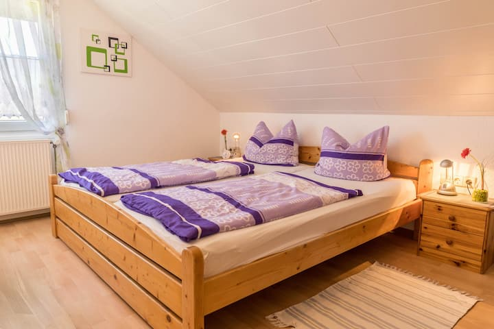 """Friendly Holiday Apartment """"Ferienwohnung Lohr"""" with Balcony, Shared Garden, Barbecue, Wi-Fi & SAT-TV; Parking Spaces Available"""