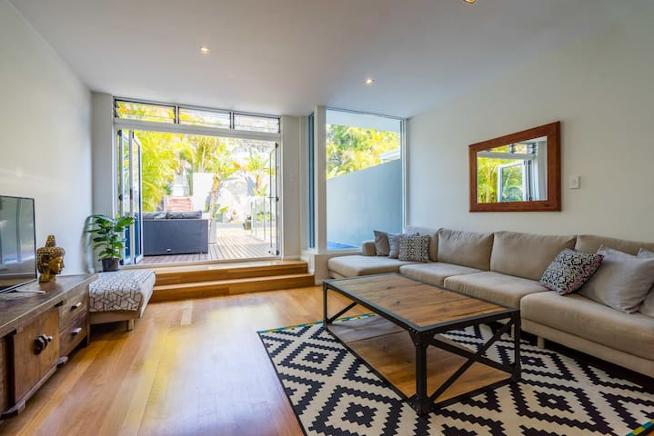 Close to Manly beach, private 3 Bedroom house