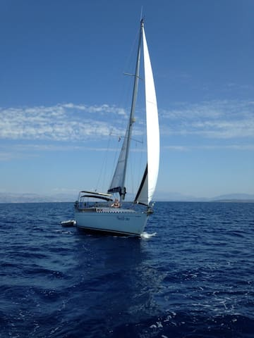 Complete and sporty sailing yacht. - Corfu - Boat
