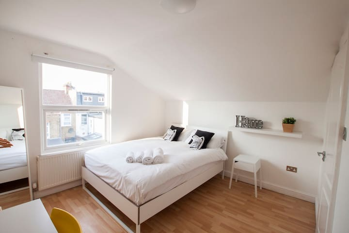 Franciscan 272 B&b En-suite Double Room. R7 - Londres - Bed & Breakfast