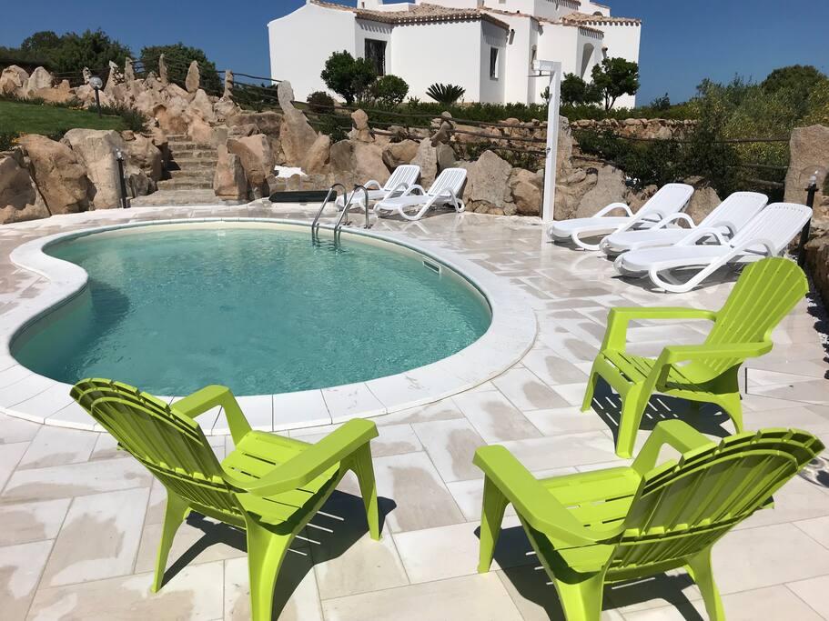piscina - swimming pool area