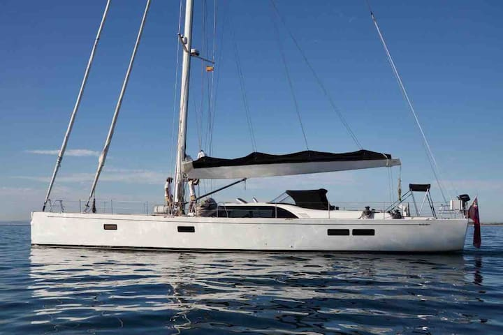 CABIN CHARTER FROM ATHENS,SMALL CYCLADES with CHEF