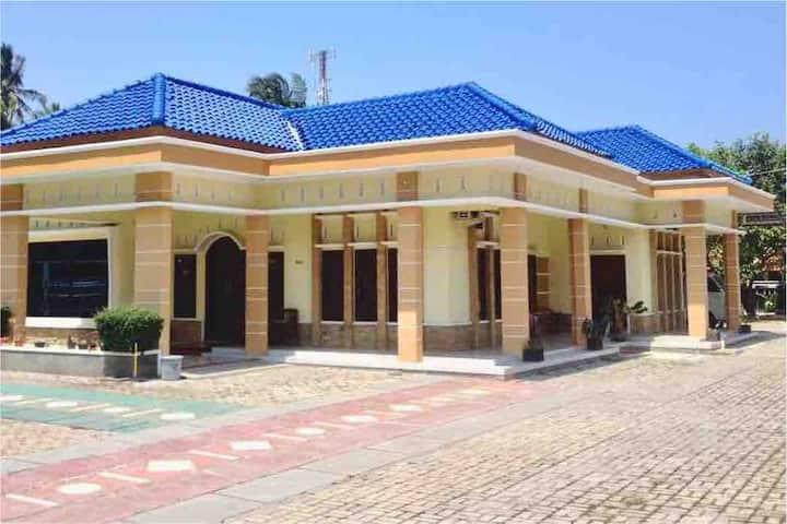AHLEN HOUSE/VILLA