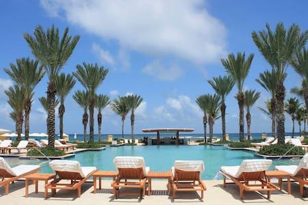 Oceanfront Resort: Dawn Beach Club @ Carnival Week