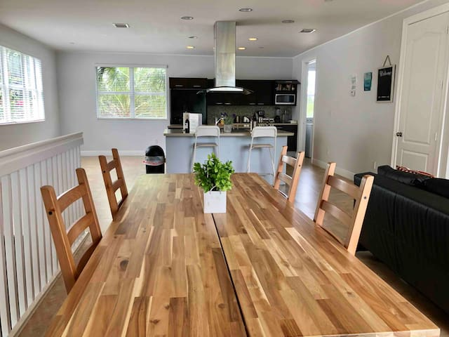 Best Location House close to Cruise Port /Downtown