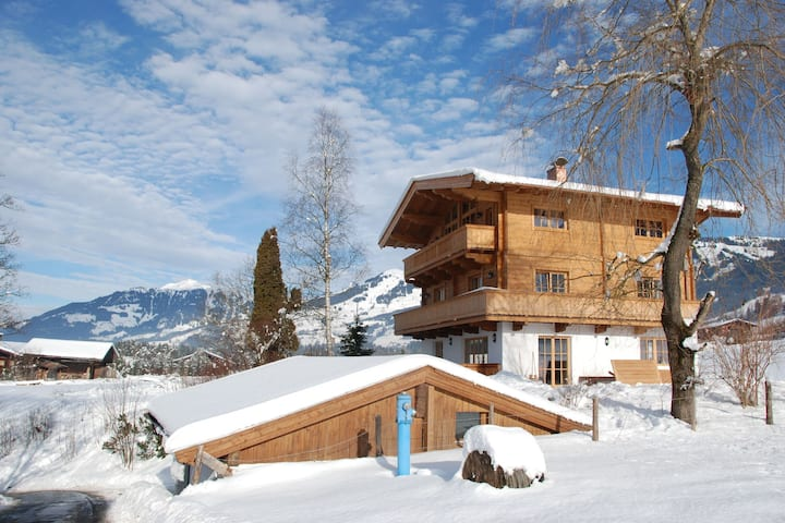 Cozy Chalet near Ski Area in Kitzbuhel