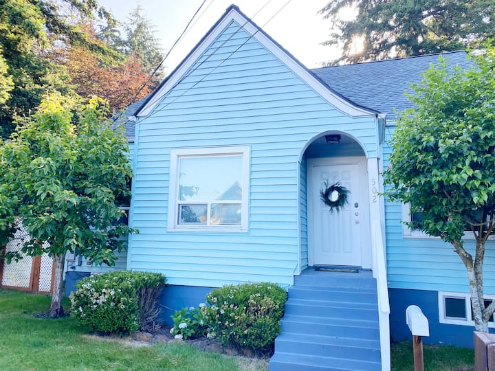Little Blue House in Historic Olympia Neighborhood