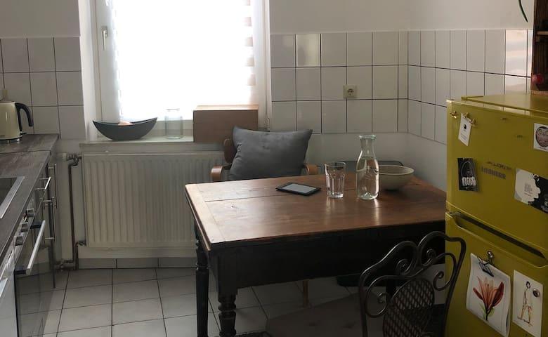 Moderne und gemütliche 2 Zimmer Altbauwohnung in