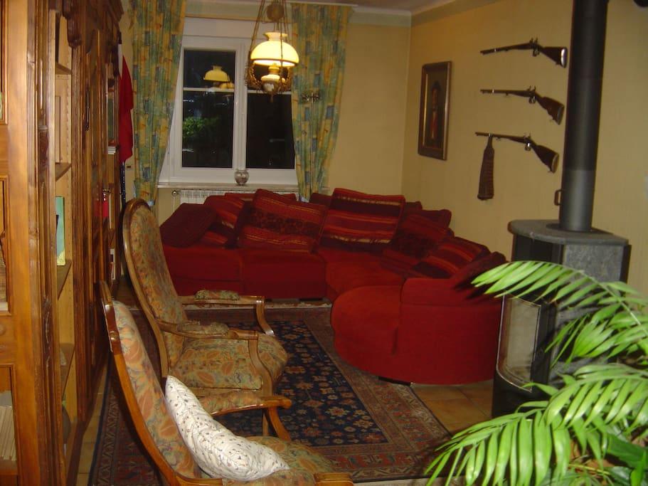 Chambres dans maison avec grand jardin proche cv houses for Restaurant jardin haguenau