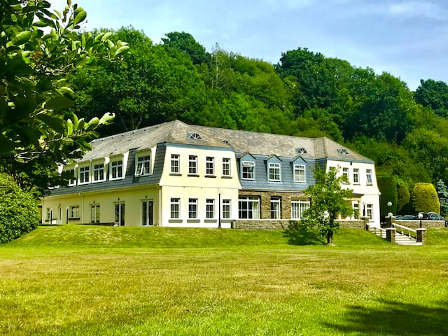 Private Gated Luxury Apartment In 5 Acres