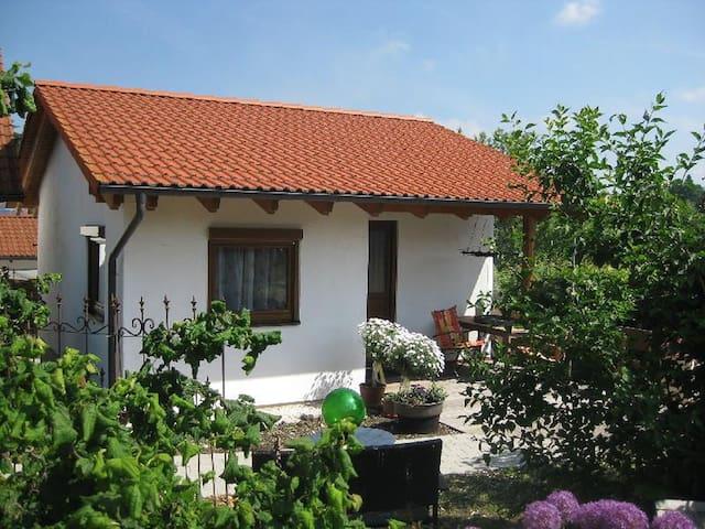 Ferienhaus Katrin, (Bad Urach), Ferienhaus Blankenhorn, 42qm, Terrasse, 1 Schlafzimmer, max. 2 Personen