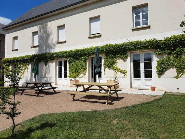 Large house up to 20 people in the Loire Valley