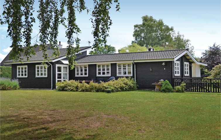 Holiday cottage with 2 bedrooms on 78m² in Gilleleje