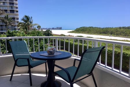 Tropical Beachfront 2/2 Condo w/ Wide Beach Views