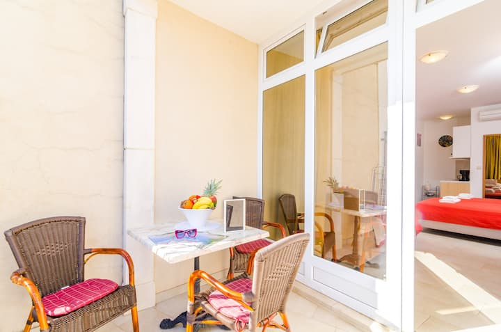 Apartments Subrenum - Standard Studio Apartment with Terrace and Sea View (S3)