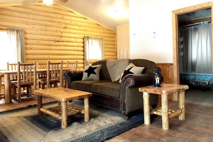 Renegade Cabin at Hoovers River Resort