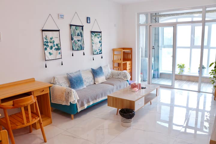 花石间-养马岛清新两室大床+上下床住五人。养马岛对面可做饭