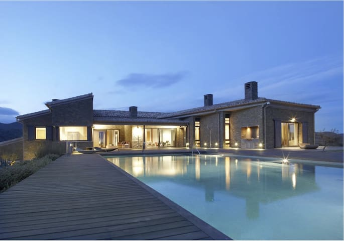 Ses Vistes - 8-bedroom villa with infinity pool