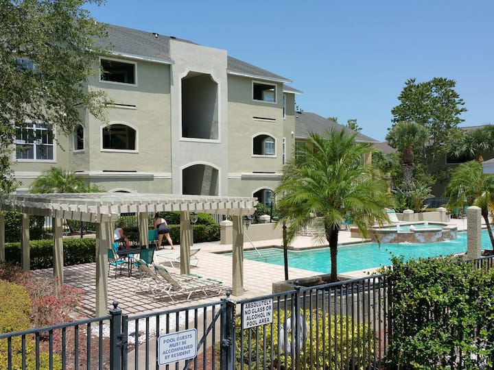 Avalon Palm,  2 Bdrm Clearwater Vacation Condo