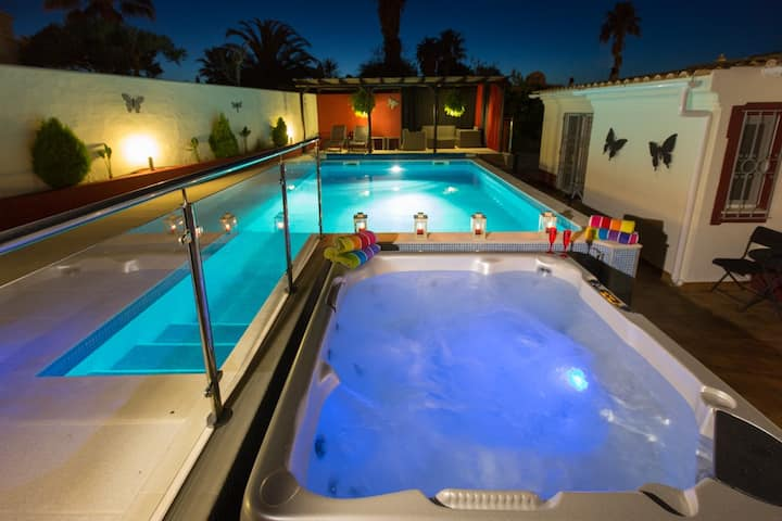 LAST MIN OFFERS VILLA WITH HOT TUB PRIVATE POOL