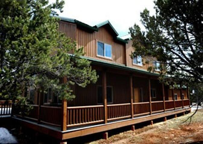 4 bedroom, wonderful views near Zion National Park