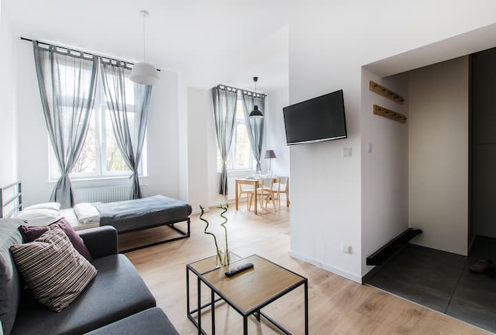 Sunstone Apartment w pięknej kamienicy w CENTRUM