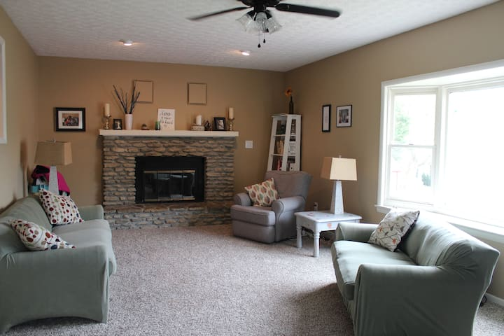 Cozy New Albany Home - New Albany - Huis