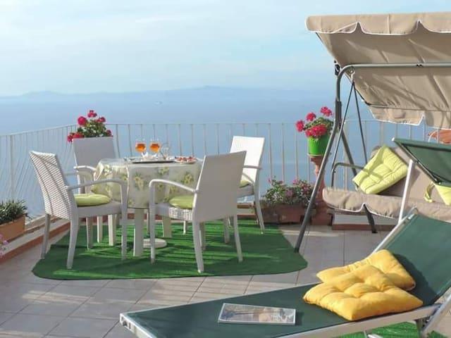 B&B- Il Bacio di Capri (Room close to Blue Grotto)