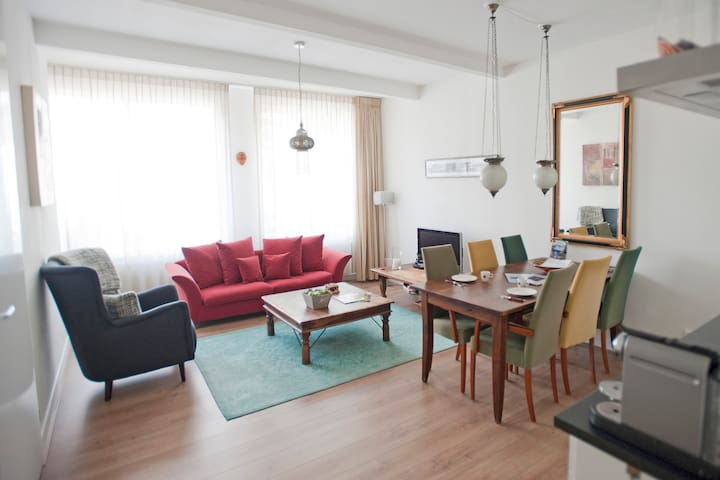 Well located, cozy appartement for two in Zaandam.
