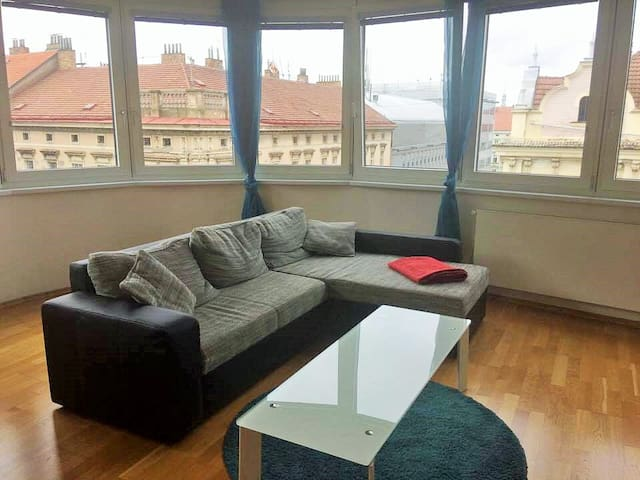 Prague on your doorstep - Modern 1 BDR Appartment!