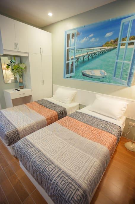 Single Deluxe Room with 2 Single Beds
