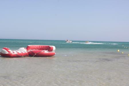 RESIDENCE AYMEN PIED DANS L'EAU - Ghar al Milh