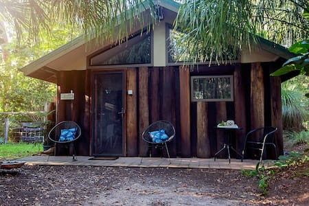 Bush Tails pet friendly bush hideaway