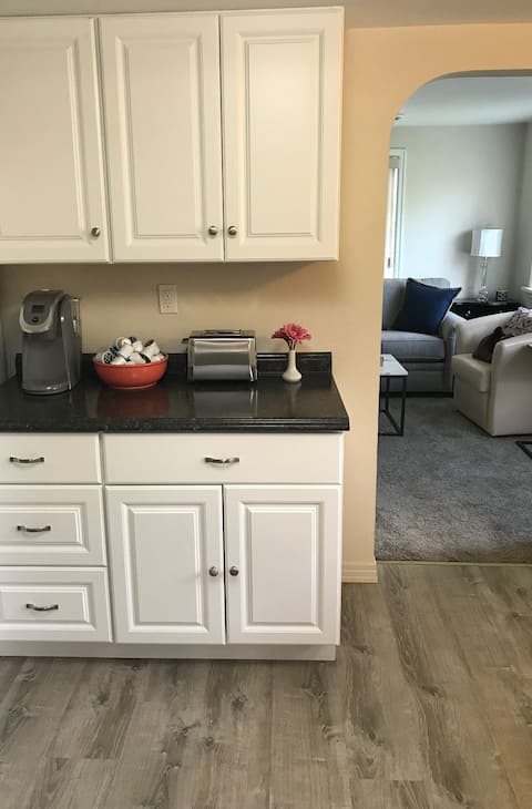 Newly Renovated, Charming, Downtown Cottage