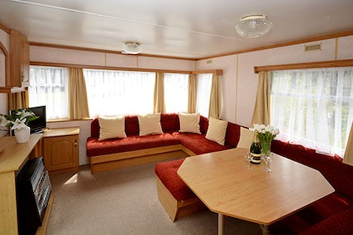 Lynton - 2 Bed Static with Fishing (No pets)